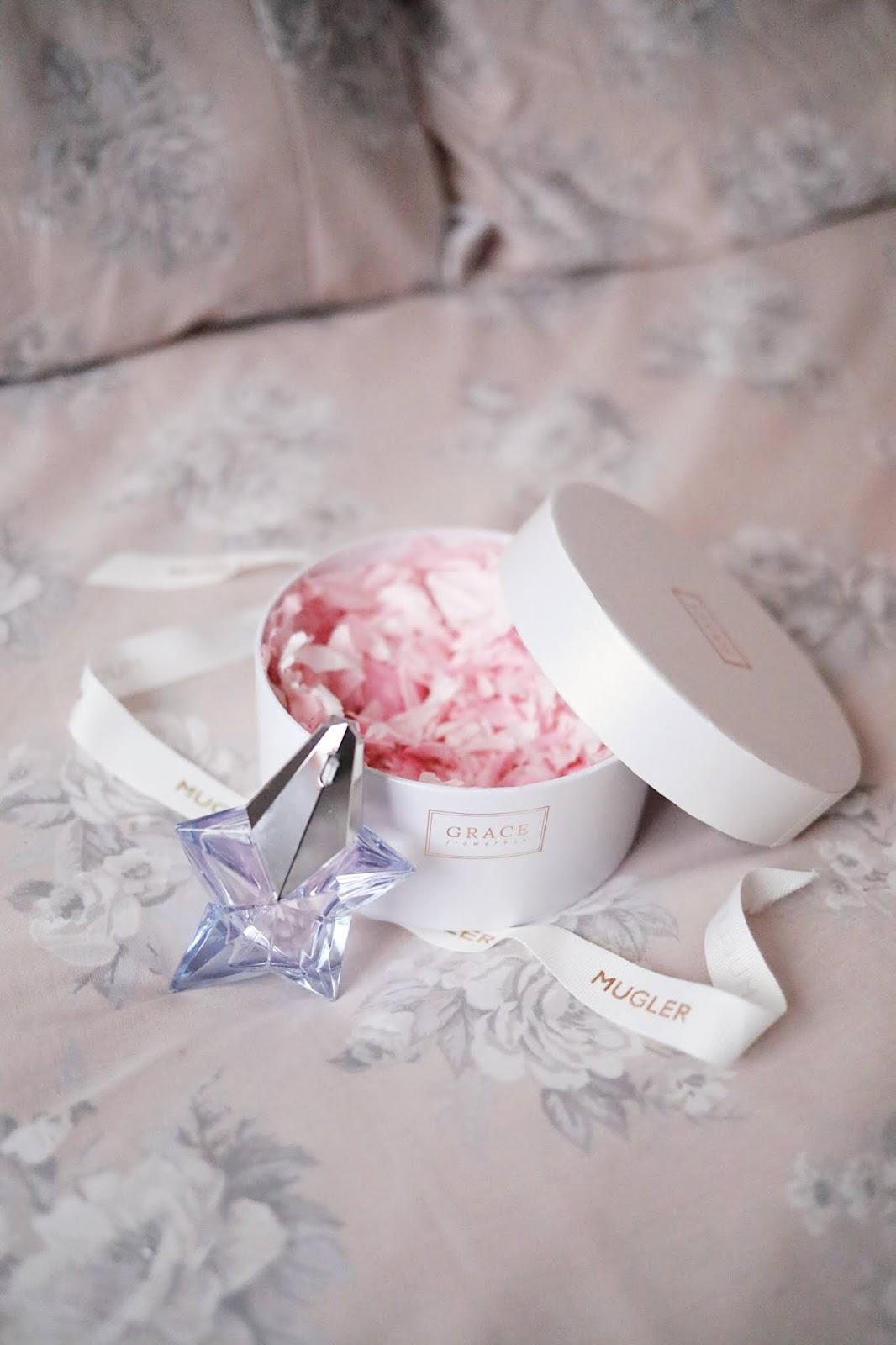 MUGLER , ANGEL , EAU DE TOILETTE , CLARINS ,rose mademoiselle , rosemademoiselle,blog beauté, paris