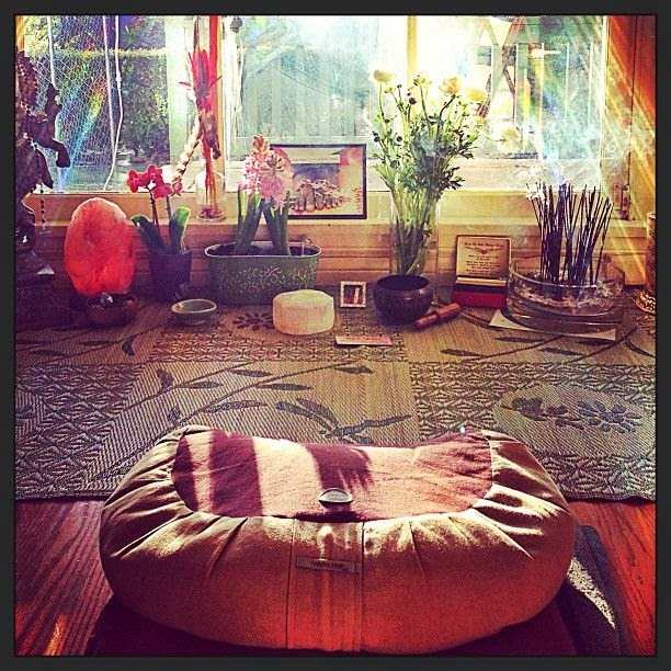 Moon to moon don 39 t hate meditate creating your own meditation space - Meditation room decorating ideas ...