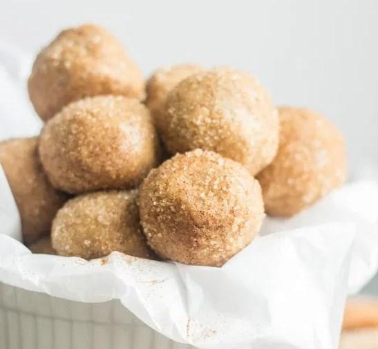 SNICKERDOODLE PROTEIN BALLS [GLUTEN FREE] #healthy #diet #snacks #desserts #healthysnacks #glutenfree