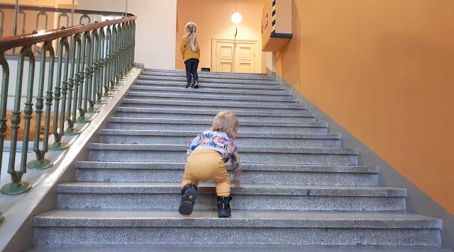 Annantalo, Helsinki, taidetalo, lasten ja nuorten taidetalo, Annankatu, Viking kengät
