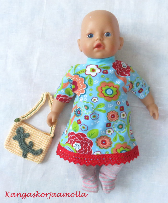 Kaavat nukenvaatteisiin