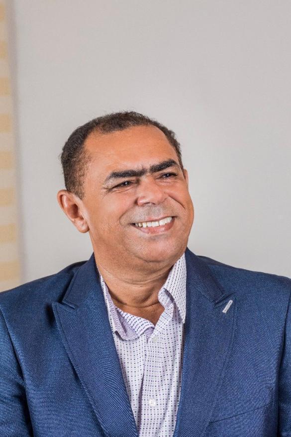 Politica de São Roberto segue rumos diferentes de 30 dias atrás .