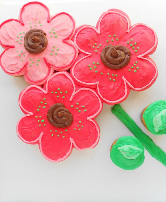 Flower Bouquet Pull-Apart Cupcake Cake