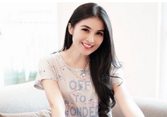 AGEN BOLA - Sandra Dewi baru saja mengungkap kehamilan anak pertamanya