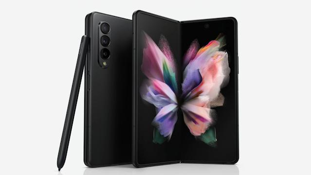قد يتفوق جهاز Galaxy Z Fold 3 في سباق كاميرا الصور الشخصية أسفل الشاشة