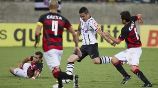 Leão não vence Corinthians há quase 20 anos pelo Brasileiro