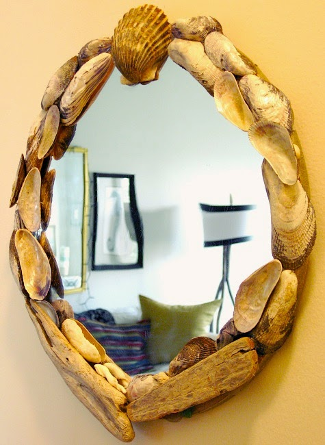 Round Mussel Shell Mirror