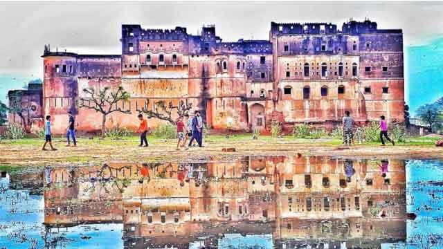 सुन्दर चित्रकारी से भरा हुआ है धोद का किला