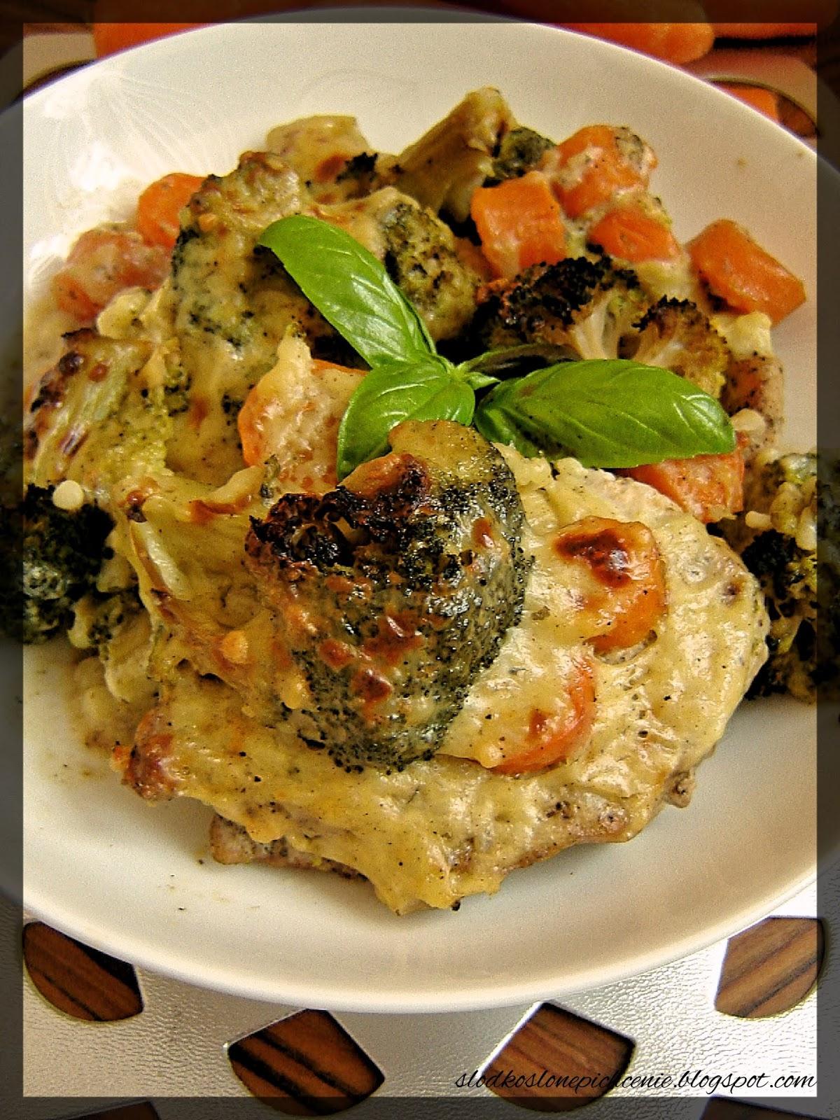 Szynka zapiekana z warzywami
