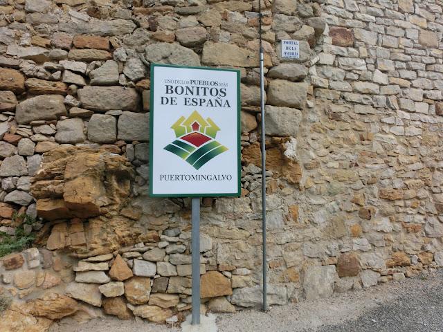 puertomingalvo, placa: uno de los pueblos más bonitos de españa