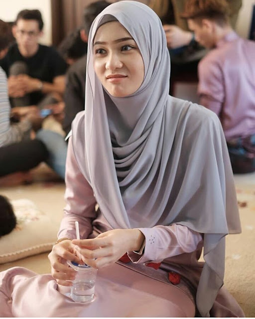 Hijaber Smile From Semarang