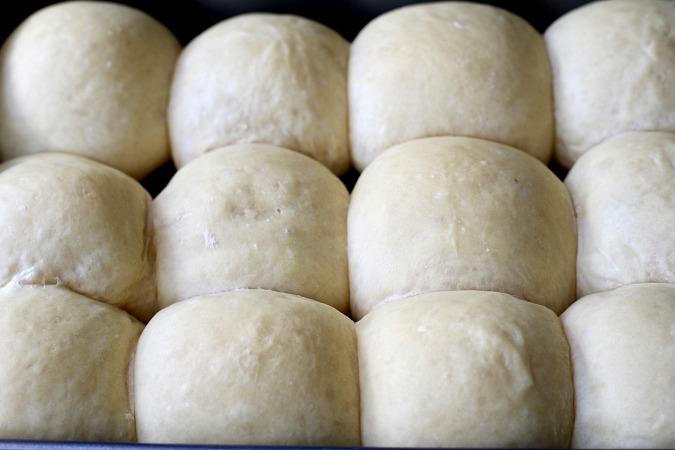 Par-baked dinner rolls before final bake