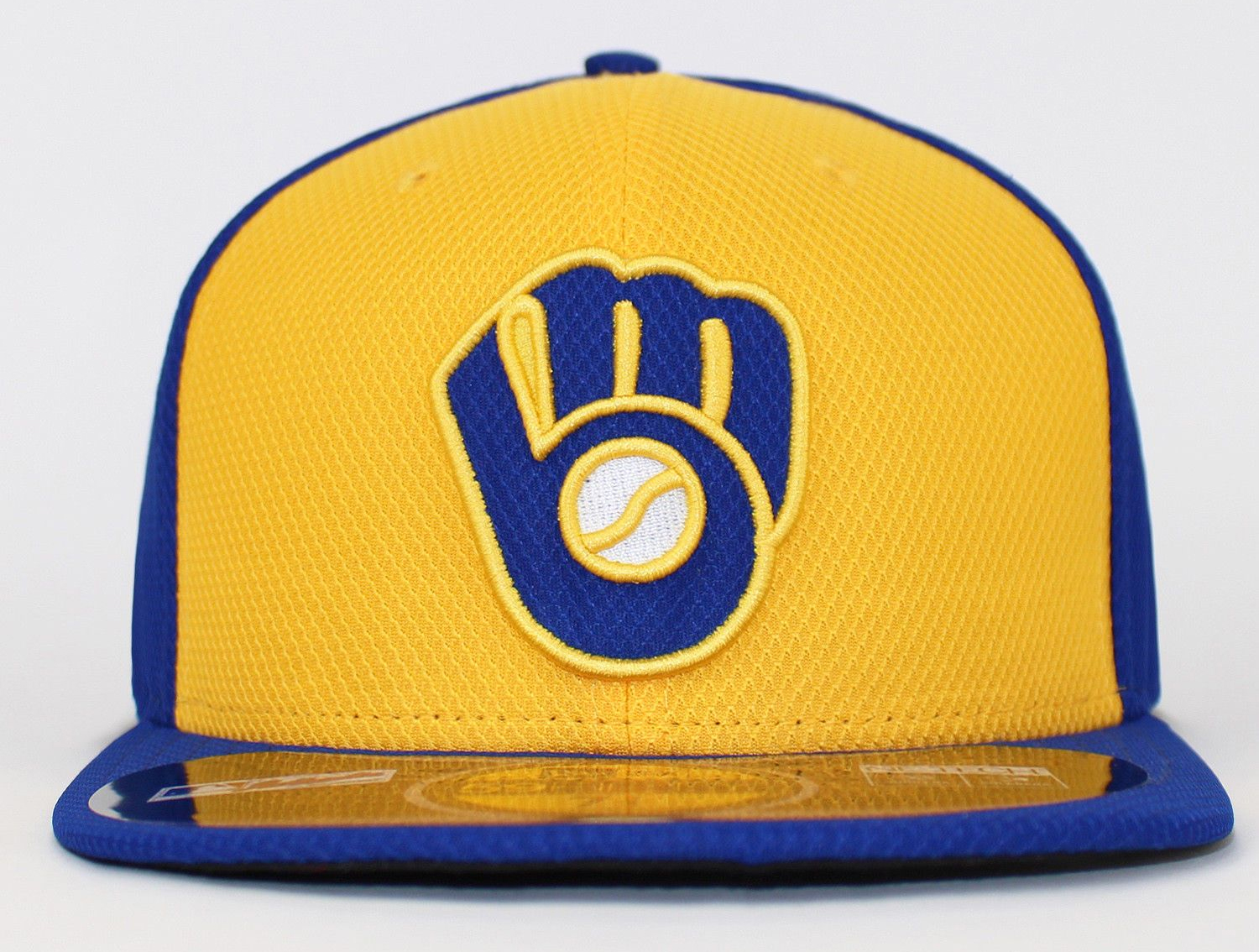 9011b1bd1c3 The Brewers  Sunday alternate version had a gold front panel