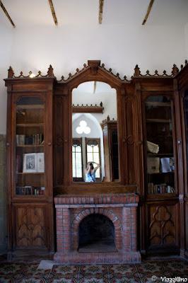 La biblioteca dentro Torre Magdala di Rennes le Chateau