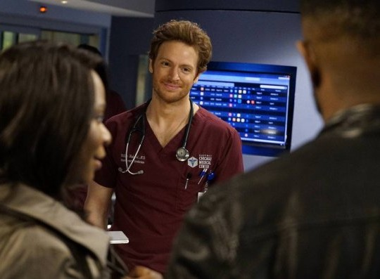 "NUP 186732 0331 595 Spoiler%2BTV%2BTransparent - Chicago Med (S04E21) ""Forever Hold Your Peace"" Episode Preview"