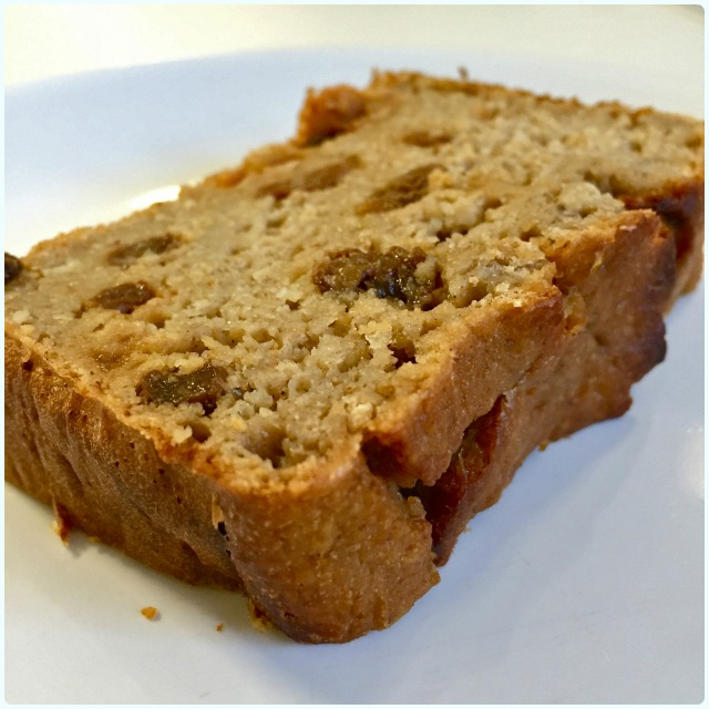Protein Breakfast Loaf: Banana, Oats and Sultana