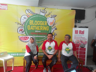 Talkshow bersama Dr. Dyah, ahli gizi, chef Ari Galih, & Bapak Fakhrurrozi, Head of PR Ajinomoto Indonesia