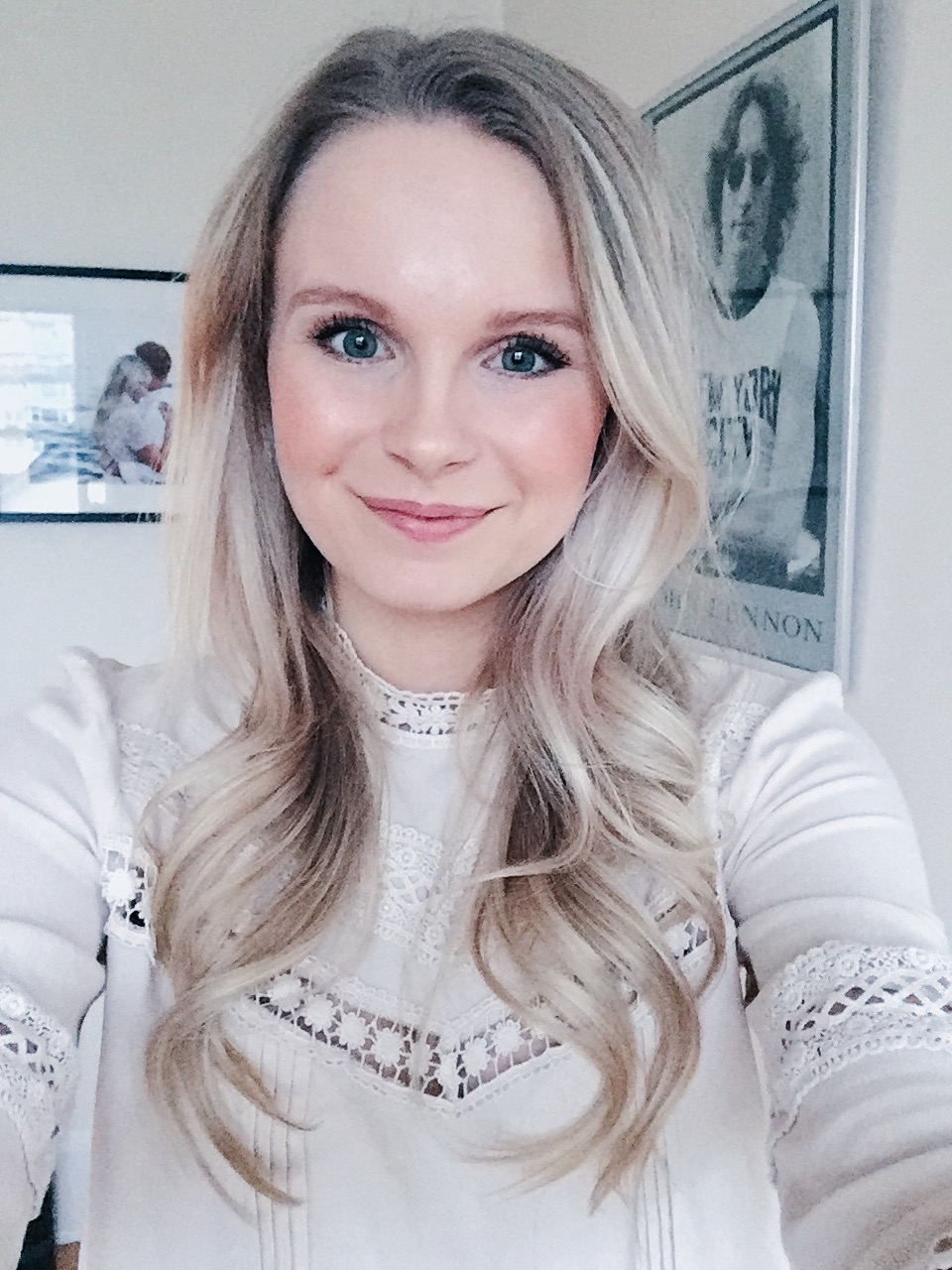 pale blonde hair with loose romantic waves