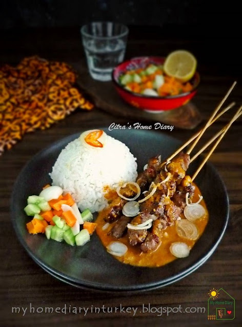 Sate Kambing Bumbu Kacang / Indonesian Lamb or mutton satay with peanut sauce. | Çitra's Home Diary. #lambkebab #lambsatay #muttonsatay #satayrecipe #indonesiansatay #peanutsauceforsatay #peanutrecipe #indonesianrecipe #resepsatekambing #satebumbukacang #indonesiansatayrecipe