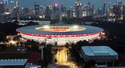 Aerial photographs at the end of the twilight of the Gelora Bung Karno Main Stadium (GBK) complex, Jakarta, Tuesday (12/26/2017), which is still being accelerated by renovation works to be completed before the 2018 Asian Games event begins. (KOMPAS / WAWAN H PRABOWO)