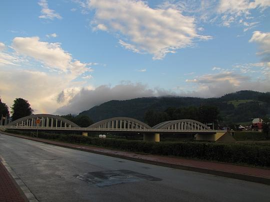 Most nad Dunajcem w Krościenku nad Dunajcem.