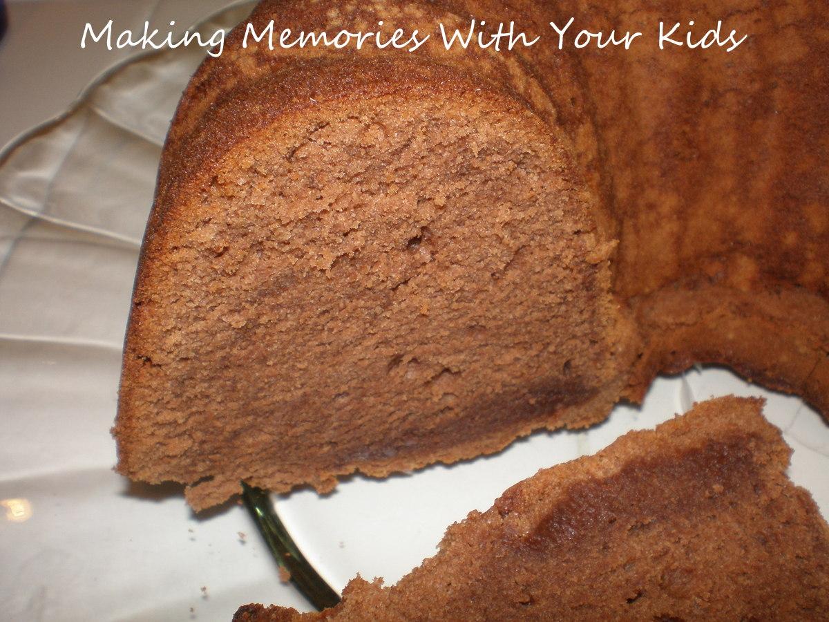 Trisha Yearwood S Chocolate Pound Cake Making Memories With Your Kids