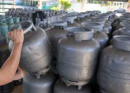 R$ 105 E PODE AUMENTAR: Caro demais, gás de cozinha em Elesbão Veloso ainda poderá sofrer um novo reajuste este mês.