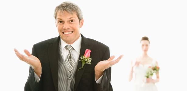 O que fazer quando o casamento entra em crise? Dicas do que fazer quando o casamento está acabando,  Universo cristão, Conteúdos Como: Matérias, Esboços de pregações, Estudos bíblicos, Versículos, Desenhos Bíblicos e Pode Até Ouvir e Baixar os Hinos da Harpa cristã.