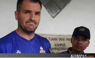 McMenemy: Oknum Aremania yang Melukai Mario Gomez Pantas Dipenjara!