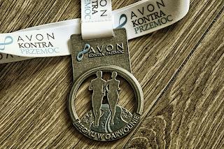 Medal AVON kontra przemoc - Biegnij w Garwolinie 2017