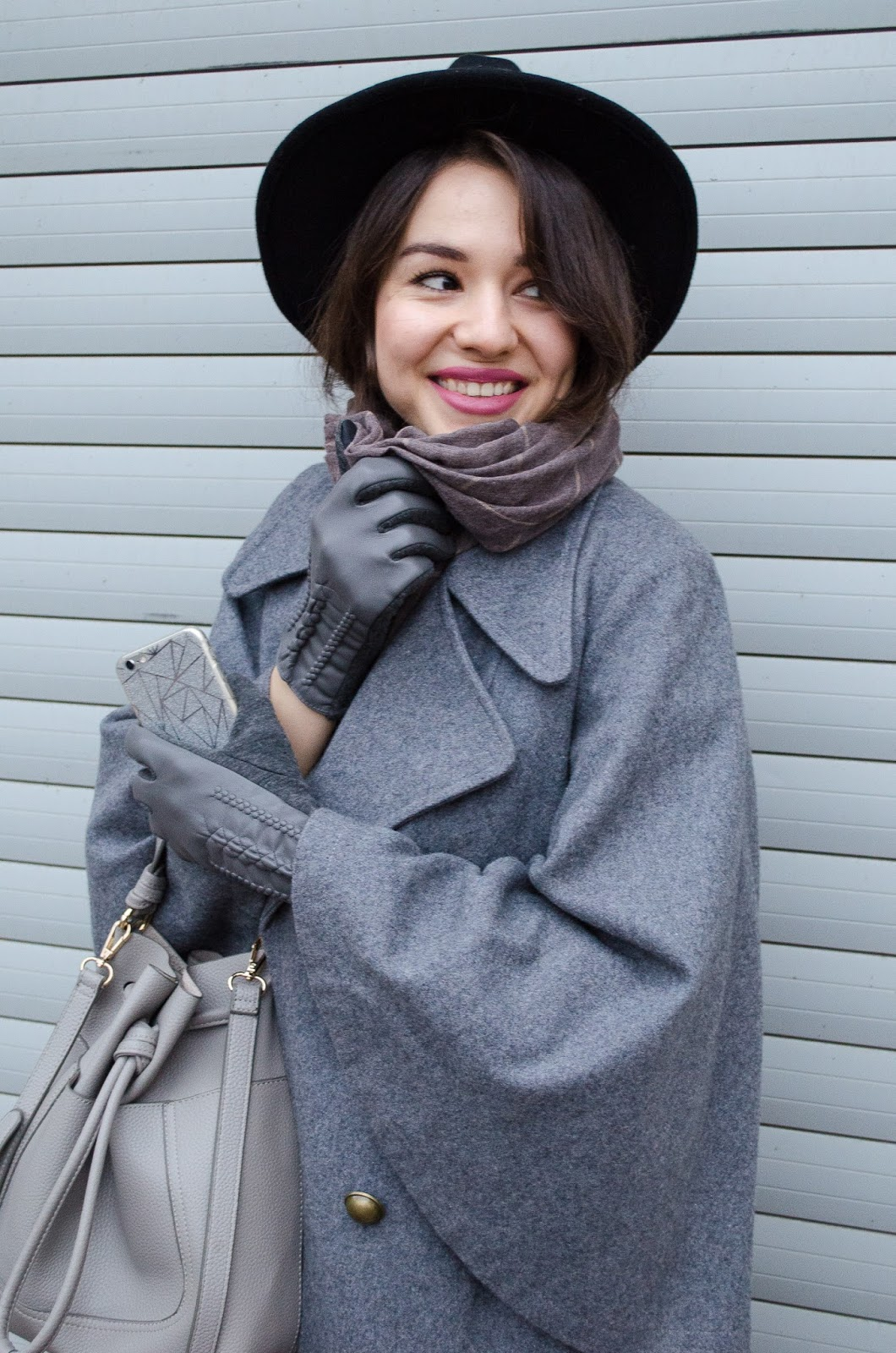 fashion bloger diyorasnotes diyora beta total grey outfit dandy hat