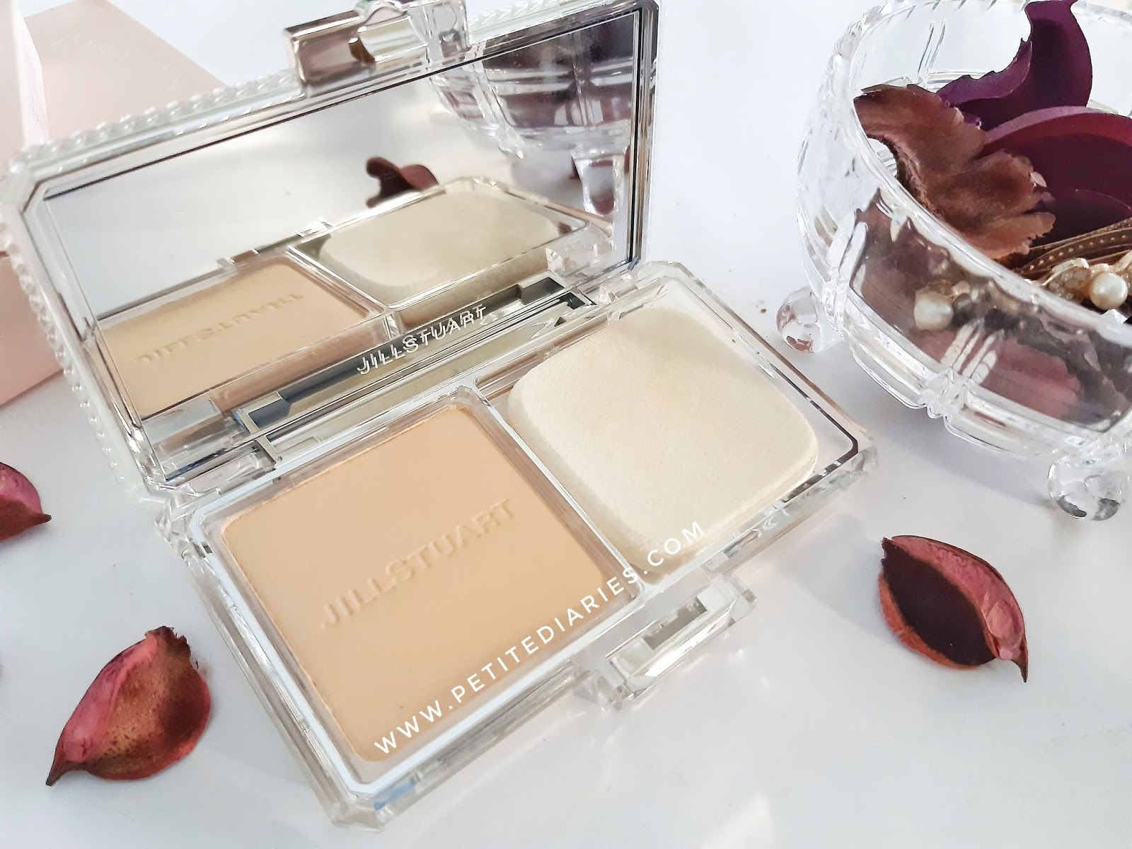 review japanese make up jill stuart airy stay flawless powder foundation