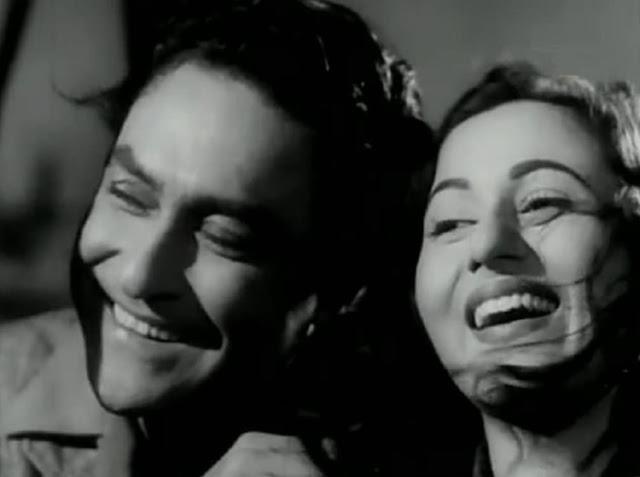 Ashok Kumar and Madhubala in Howrah Bridge (1958)