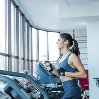Choosing to Exercise at Home or Gym