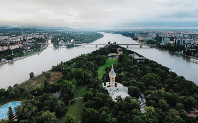 Holttestet sodort partra a Duna a Margitszigetnél