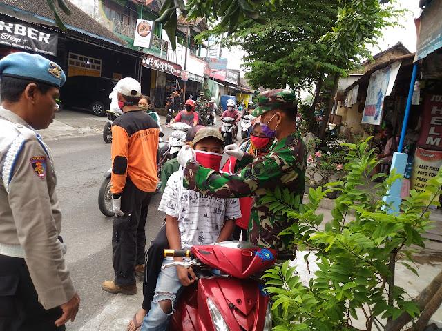 Koramil 04/Pedan Bersama Gusgas Kecamatan Pedan Pastikan Tempat Ibadah terapkan Protokol Kesehatan
