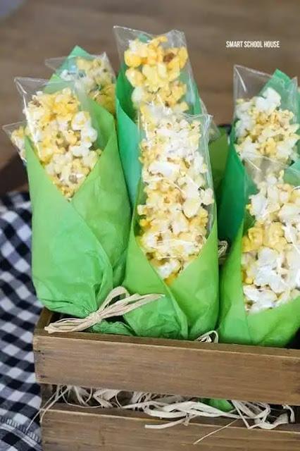 Lembrancinha de festa junina formato milho