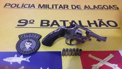 Homem é preso em Barragem Leste, zona rural de   Delmiro Gouveia,  por porte ilegal de arma de fogo