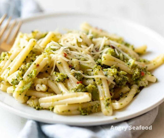 Light And Flavorful Broccoli Pasta