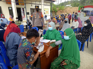 Polsek Malua Melaksanakan Gerai Vaksin Presisi Polres Enrekang