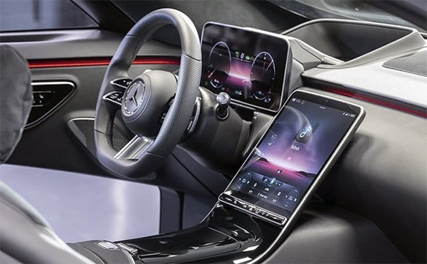 Burlappcar: 2021 Mercedes S-Class interior: Screen city!