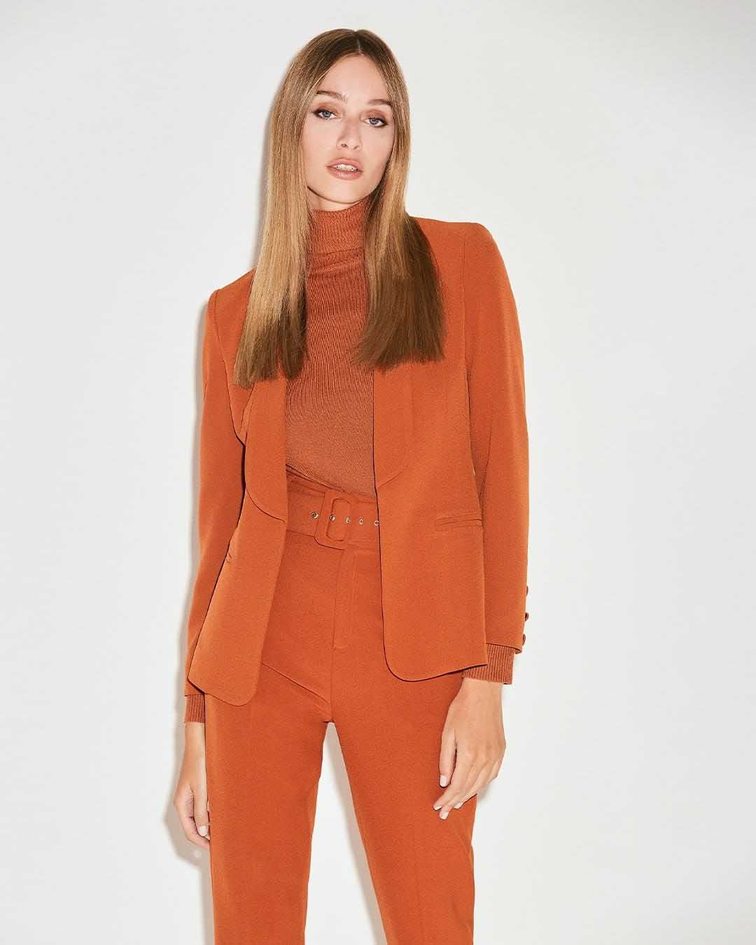 trajes de mujer invierno 2021 casual elegante