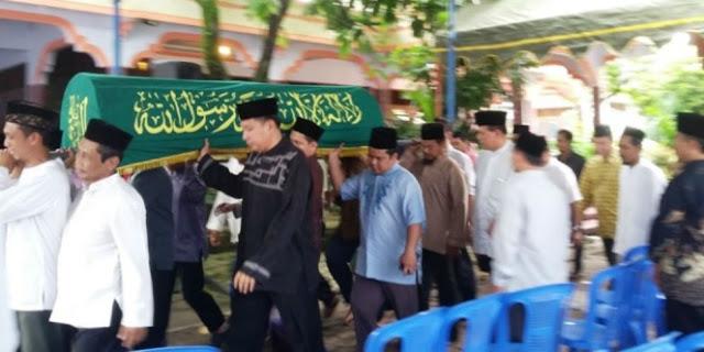 Masyaallah, Putri Pendiri Pondok Pesantren Ini Meninggal Saat Dekap Al Quran