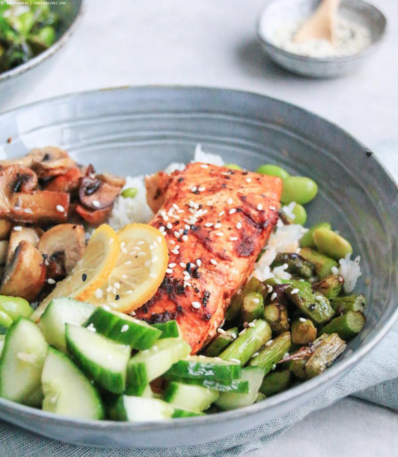 Healthy Salmon Bowl | whatinaloves.com