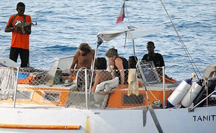 Bajak Laut Somalia uang Tebusan