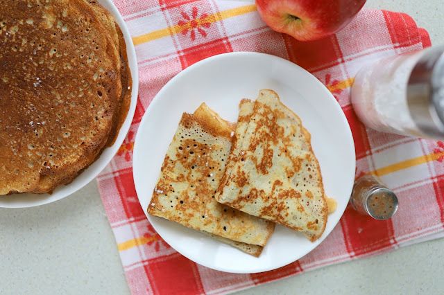 Latvian apple pancakes