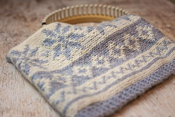 How To Do Fair Isle On The Loom Loom Knitting By This Moment Is Good