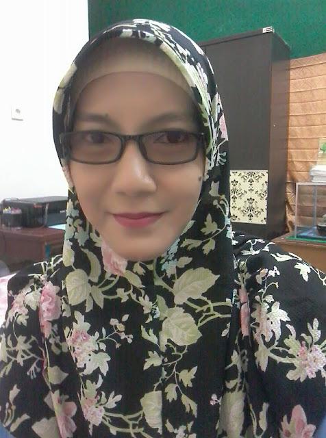Diah Seorang Janda 2 Anak, Beragama Islam, Suku Melayu, Berprofesi Sebagai Guru Honorer Di Dumai Riau Mencari Jodoh Pasangan Pria Untuk Jadi Calon Suami