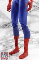 MAFEX Spider-Man (Peter B Parker) 21