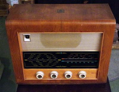 Bush VHF54 wireless 1955